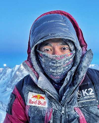 Нирмал Пурджа (Nirmal Purja)  после спуска во второй высотный лагерь на восьмитысячнике К2. 20 декабря 2020