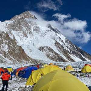 Зимние экспедиции на восьмитысячник К2: передовые команды дошли до третьего высотного лагеря
