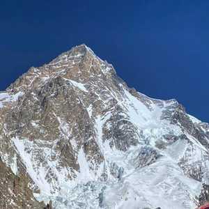 Непальская команда благополучно спустилась в третий лагерь на восьмитысячнике К2