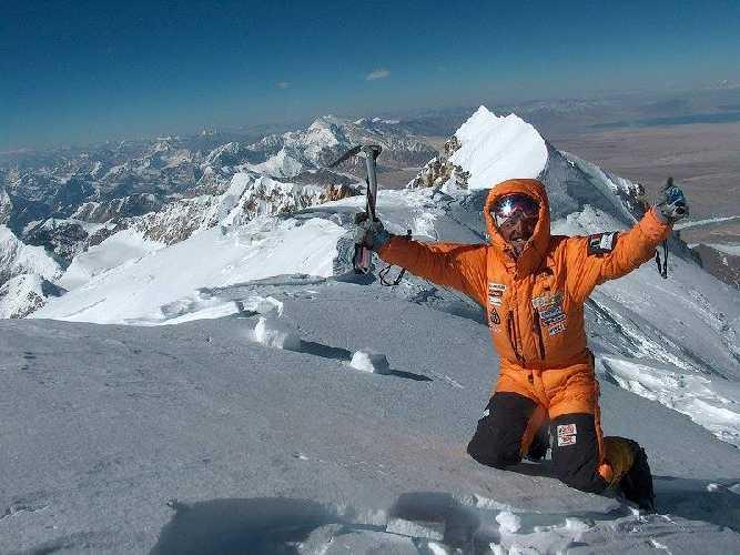 Симоне Моро (Simone Moro) на вершине Шишабангма