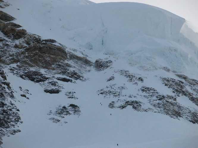 """""""Бутылка"""" (Bottleneck) на восьмитысячнике К2. Фото с летнего альпинистского сезона"""