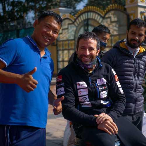 Мингма Шерпа (Mingma Sherpa) и Алекс Тикон (Alex Txikon)