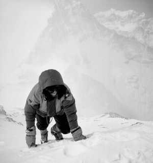 Восхождение зимой на Эверест и К2 без кислорода: Скрытая угроза