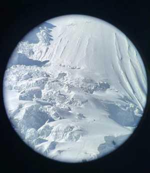 Зимние экспедиции на восьмитысячник Манаслу: в поисках пути через ледовую трещину