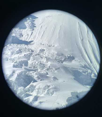 Фотография сделана с помощью Iphone 12 Pro Max наведенного на линзу телескопа.