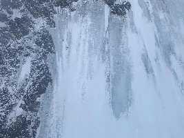 7 февраля два специальных вертолета совершили облёт склона горы, поднявшись до отметки 7800 метров (предельная высота полета).
