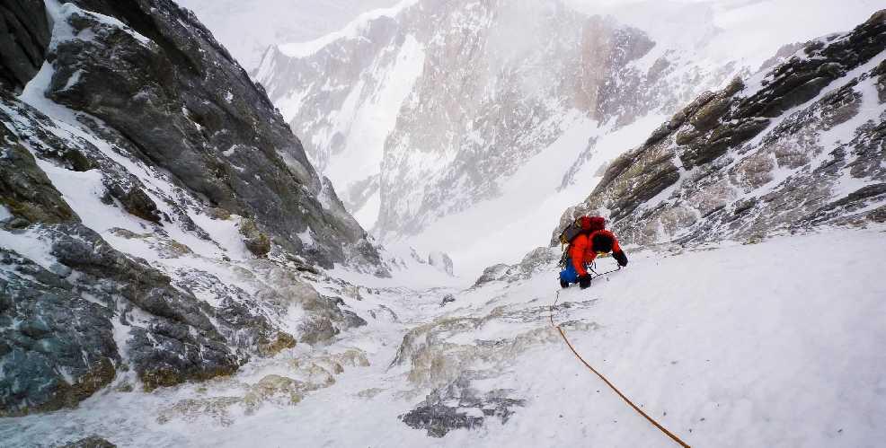 Альпийский стиль в лучшем виде: чешские альпинисты Марек Голечек (Marek Holeček) и Зденек Гачек (Zdeněk Háček Hák) открывают новый маршрут на восьмитысячнике Гашербрум I (Gasherbrum I, 8080 м). 25 июля – 1 августа 2017. Фото Marek Holeček