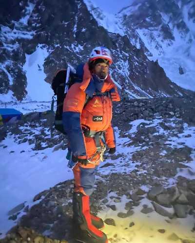 Пасанг Нурбу Шерпа (Pasang Norbu Sherpa) на выходе из базового лагеря К2. 4 февраля 2021 года