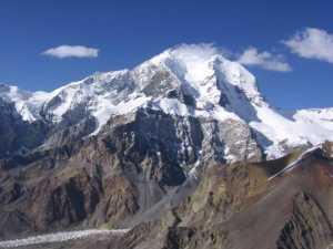 Таджикистан переименовал Пик Корженевской  - один из высочайших пиков Памира