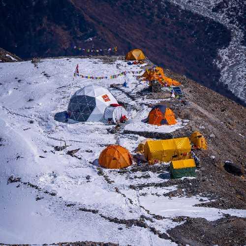 Базовый лагерь восьмитысячника Манаслу. Фото Alex Txikon