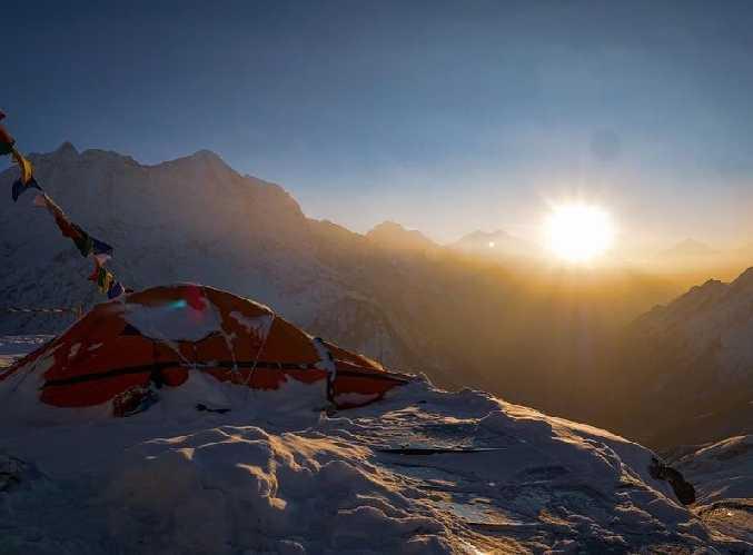 Лагерь на отметке 6600 метров на восьмитысячнике Манаслу. Фото Alex Txikon
