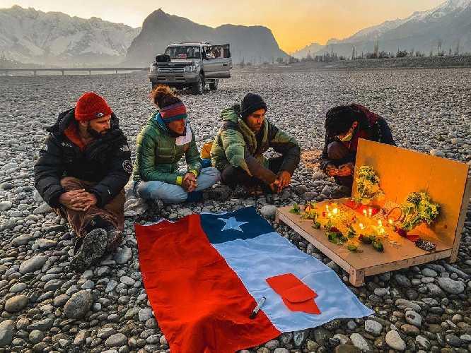 Альпинисты простились с пропавшим без вести на восьмитысячнике К2 чилийским альпинистом Хуаном Пабло Мором