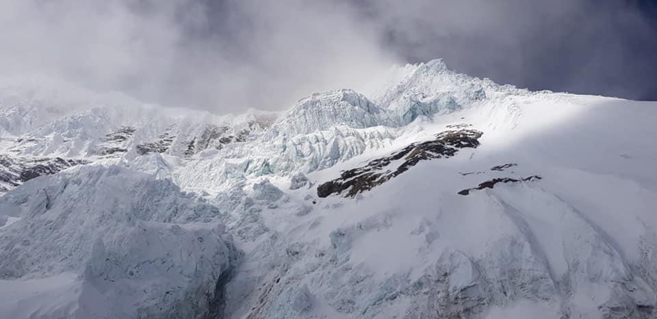 Преграда на пути к четвертому высотному лагерю на восьмитысячнике Манаслу. Фото Alex Txikon