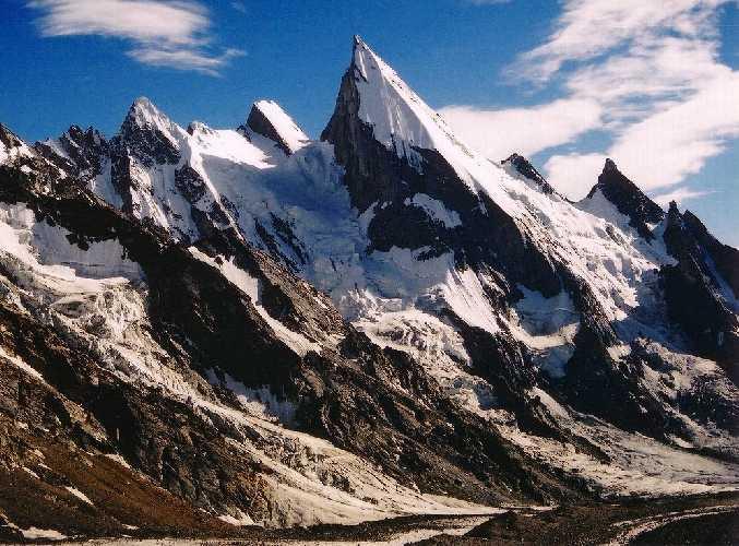 Лайла Пик (Laila Peak, 6096 м).
