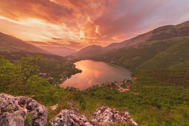 Озеро Сканно  в регионе Абруццо