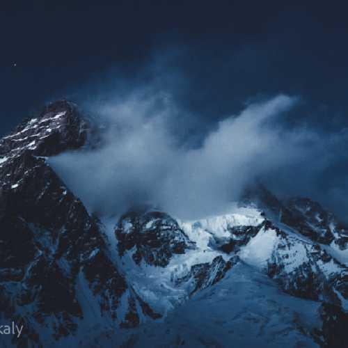 К2 (K2 / Chogori, 8611м). Фото Elia Saikaly