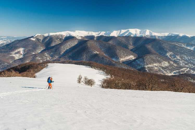 перше в історії зимове лижне соло-проходження повної дуги Українських Карпат. Фото Ігор Магновський