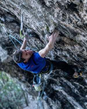 Стефано Гизольфи открывает новый, один из сложнейших в Италии, скалолазный маршрут: