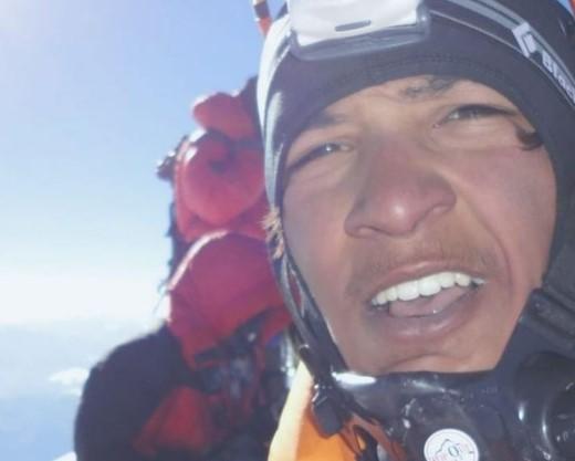 Арджун Ваджпа (Arjun Vajpai) на Эвересте в 2010 году в свои 16 лет