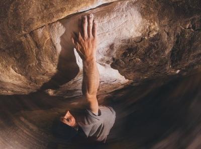 """Даниэль Вудс открывает третью в мире сложнейшую боулдеринговую проблему: """"Return of the Sleepwalker"""" категории 9а (V17)"""