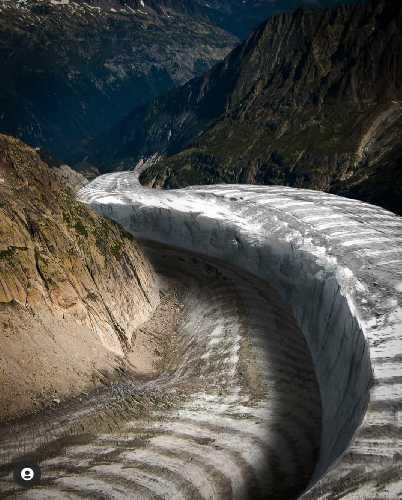 Мер-де-Глас (Mer de Glace) - сравнительный коллаж ледника с фотографии 1900-х годов и 3Д снимков 2020 года