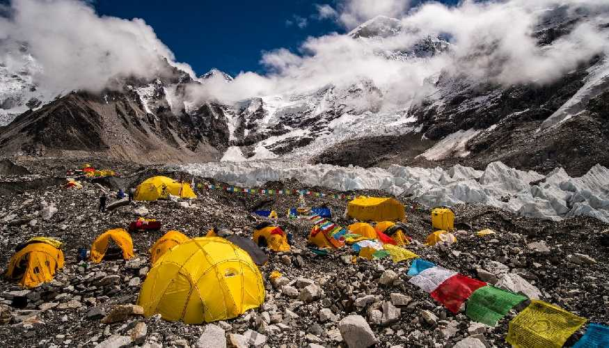 Базовый лагерь Эвереста. 2019 год. фото Frank Bienewald/LightRocket/Getty)