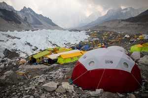 Коронавирус на Эвересте: мнение доктора