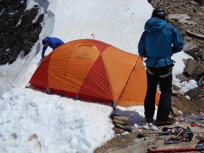 На новом маршруте на участке ко второму высотному лагерю на на Северо-Западном хребте Дхаулагири. Фото Horia Colibășanu