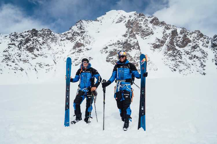 Анджей Баргель (Andrzej Bargiel) и Йендрек Барановски (Jędrek Baranowski) в экспедиции к  Яваш Сар II (Yawash Sar II) высотой, 6178 метров. Фото Jakub Gzela / Bartłomiej Pawlikowski