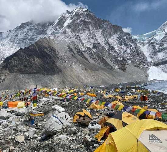 Базовый лагерь Эвереста, весна 2021 года