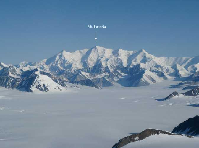 Лукейния (Lucania, 5226 м) - третья по высоте вершина Канады