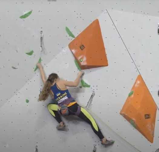 Ксения Захарова в полуфинале в дисциплине трудность в рамках  молодежного Первенства Европы по скалолазанию в Перми