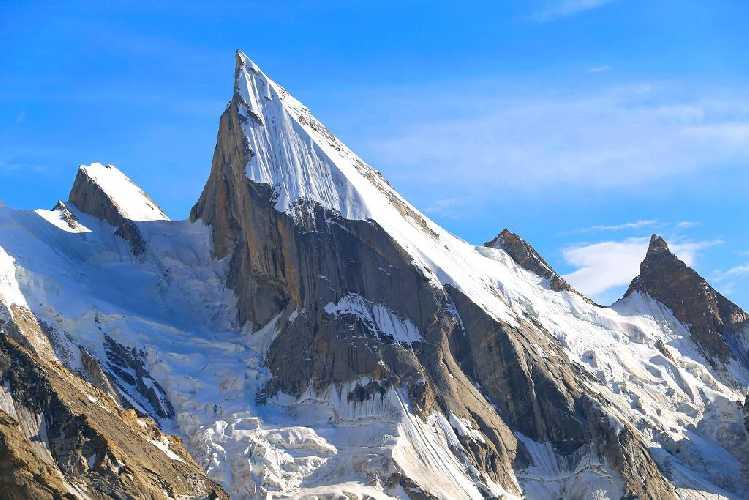 Лайла Пик (Laila Peak) высотой 6096 метров