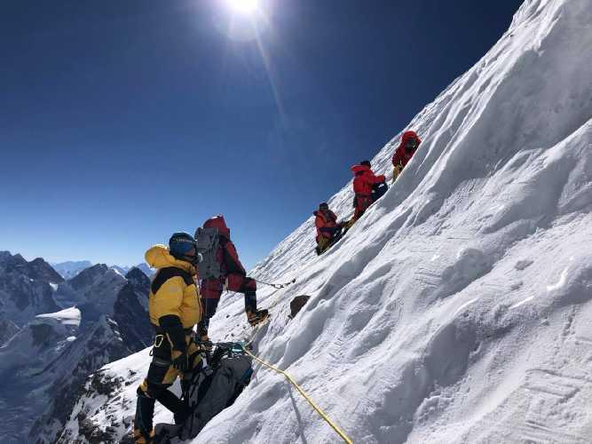 Непальские шерпы в первом зимнем восхождении на восьмитысячник К2, январь 2021 года
