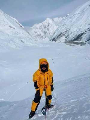 Альпинистка из Гонконга установила мировой рекорд в скоростном восхождении на Эверест