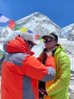 Львовский альпинист Игорь Яськевич поднялся на вершину Эвереста!