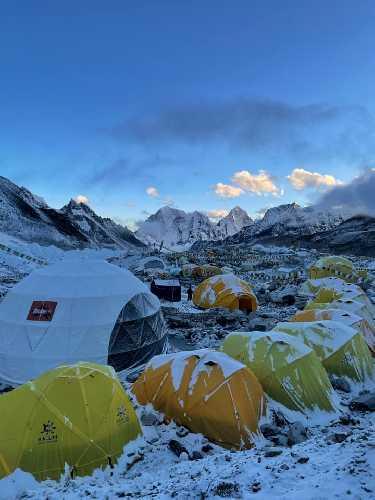 Базовый лагерь Эвереста. Фото Тарас Поздний, май 2021