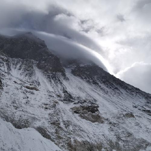 Эверест, вид со второго высотного лагеря, 6400 метров. Фото Христя Мохнацька, май 2021
