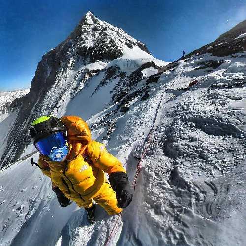 Дэвид Геттлер (David Göttler, Германия) на южном седле Эвереста. Фото David Göttler