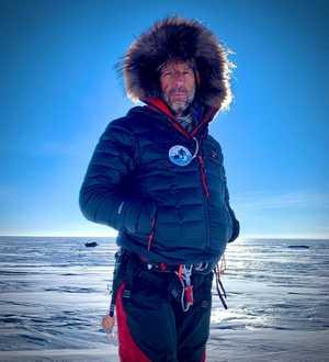 Известный полярный гид и путешественник Дирк Дансеркер погиб во льдах Гренландии