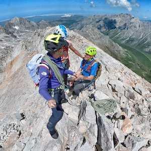 Дэвид Гёттлер со своим 81-летним отцом совершил восхождение на вершину горы Пенья Вьеха в Испании