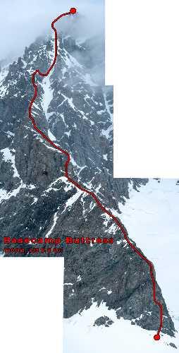 "Гора МакАртур Пик (McArthur Peak). Маршрут ""Basecamp Buttress"" (1,000м, AI3 5.8 60°). Без выхода на вершину пика. Первопроходцы: Алик Берг, Маартен Ван Херен, 5 мая 2021"