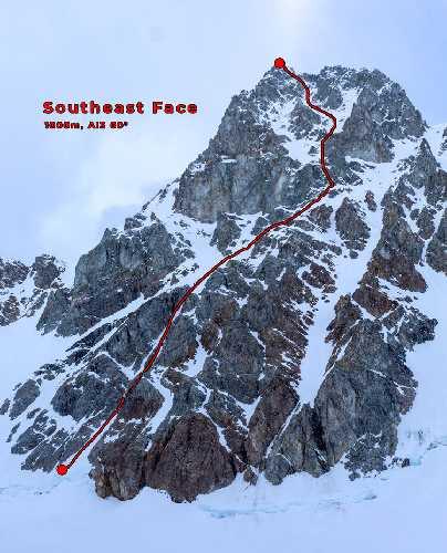 Гора Хабсью (Hubsew Peak). Маршрут по Юго-Восточной стене (Southeast Face) (1,000м, AI3 60°): Первопроходцы: Алик Берг, Маартен Ван Херен, 26 мая 2021