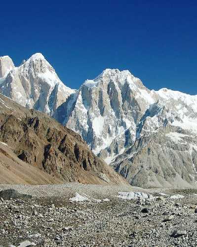 Пумари Чхиш Южная (Pumari Chhish South) высотой 7350 метров