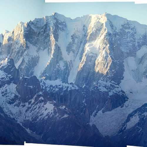 шеститысячник К13, именуемый также как Пик Дансам (Dansam Peak) высотой 6666 метров