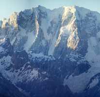 Восхождение французской команды на пик К13 Западный (K13 West / Dansam West), имеющий высоту 6600 метров.