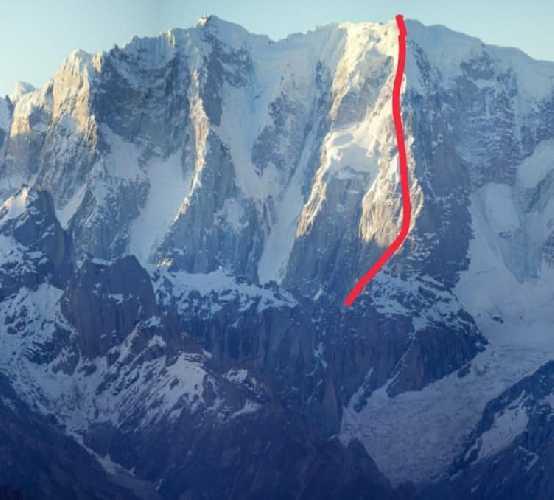 Маршрут французской команды на вершину  пик К13 Западный (K13 West /  Dansam West), имеющий высоту 6600 метров.