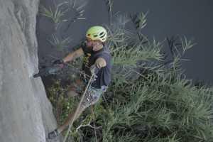 Впервые в Украине: на скалах Коростышева состоялся семинар по подготовке скалолазных маршрутов