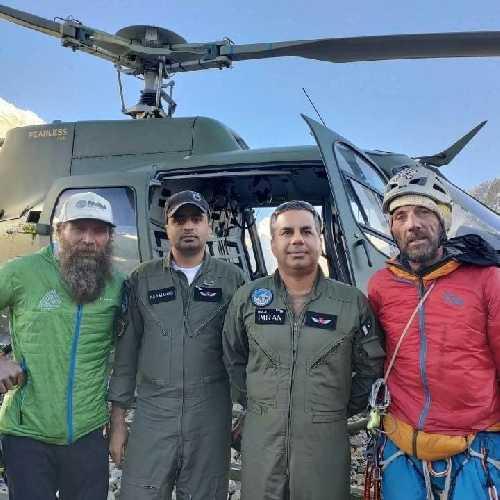 Напарники Рика: Жорди и Стефан были эвакуированы с первого лагеря вертолетами пакистанской армии