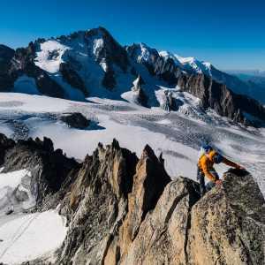 18 четырёхтысячников Альп за 9 часов 18 минут. Бенджамин Ведринс устанавливает рекорд на